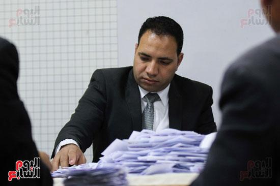 فرز اصوات الاستفتاء على التعديلات الدستورية (38)