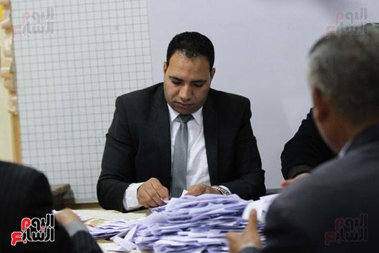 فرز اصوات الاستفتاء على التعديلات الدستورية (39)
