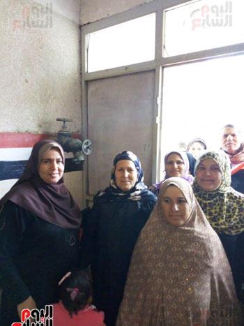 اقبال-كبير--على-لجان-الاستفتاء-بقرى-محافظة-الغربية-(5)