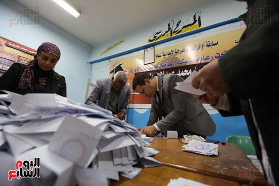 فرز اصوات الاستفتاء على التعديلات الدستورية (17)
