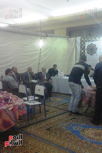 اللجنة العامة تستعد لاستقبال صناديق اللجان الفرعية لبدء الفرز بالجيزة (5)