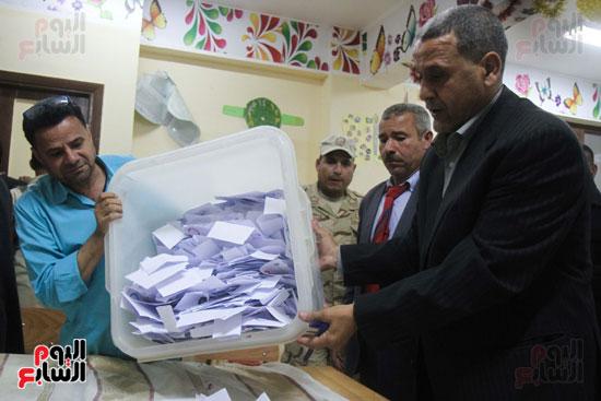 فرز اصوات الاستفتاء على التعديلات الدستورية (28)