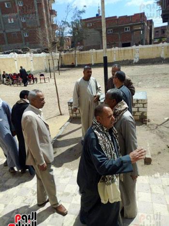 اقبال-كبير--على-لجان-الاستفتاء-بقرى-محافظة-الغربية-(12)