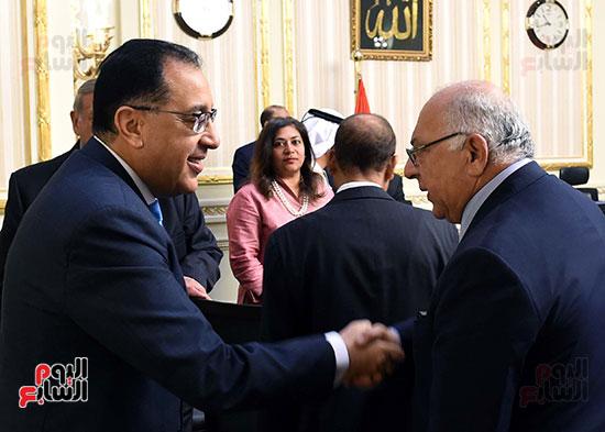 رئيس الوزراء يلتقى رؤساء البورصات العربية  (1)