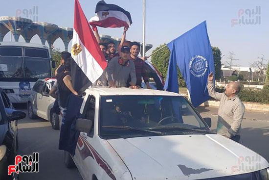 مسيرات-بالسيارات-فى-الإسماعيلية-لحث-المواطنين-على-النزول-للتصويت-على-الاستفتاء-(1)