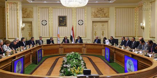 رئيس الوزراء يستقبل رئيس البرلمان القبرصى (4)