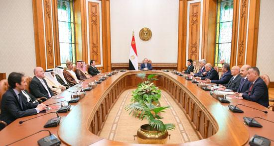 السيسى يؤكد على أهمية صياغة خطة عمل استراتيجية عربية لاستثمار طاقات الشباب (3)
