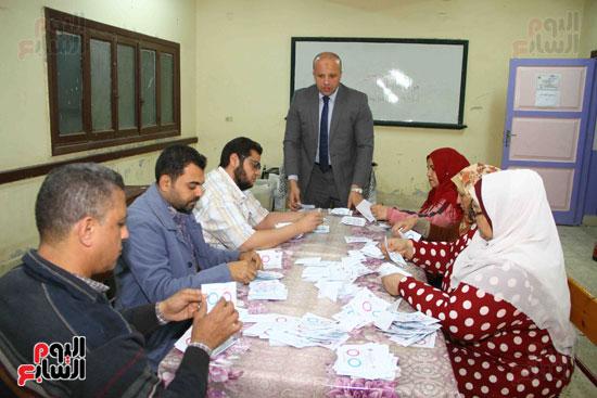 فرز اصوات الاستفتاء على التعديلات الدستورية (3)