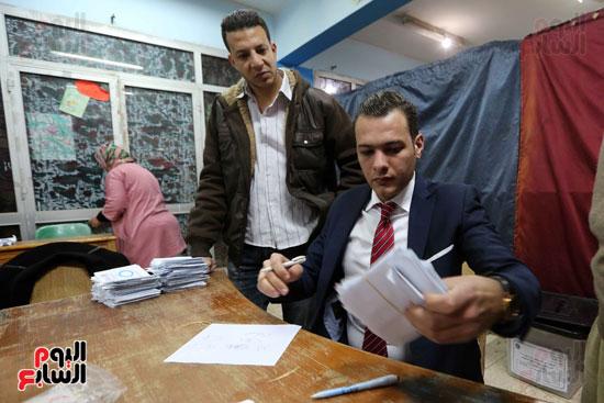 فرز اصوات الاستفتاء على التعديلات الدستورية (23)