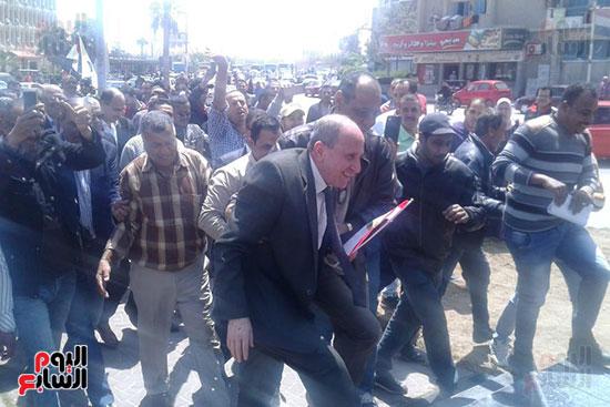 مسيرات-بالسيارات-فى-الإسماعيلية-لحث-المواطنين-على-النزول-للتصويت-على-الاستفتاء-(9)