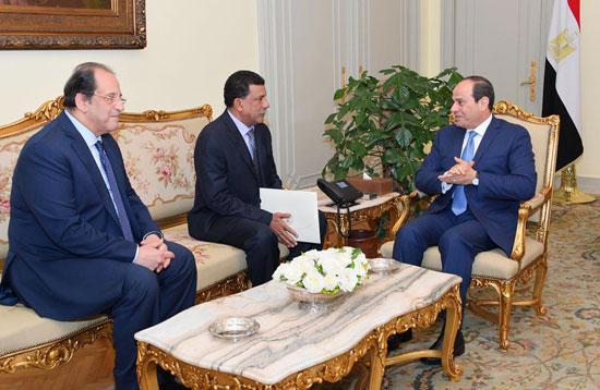 الرئيس عبد الفتاح السيسى رئيس الجمهورية مع رئيس جهاز الأمن والمخابرات الوطنى السودانى