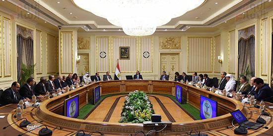 رئيس الوزراء يلتقى رؤساء البورصات العربية  (7)