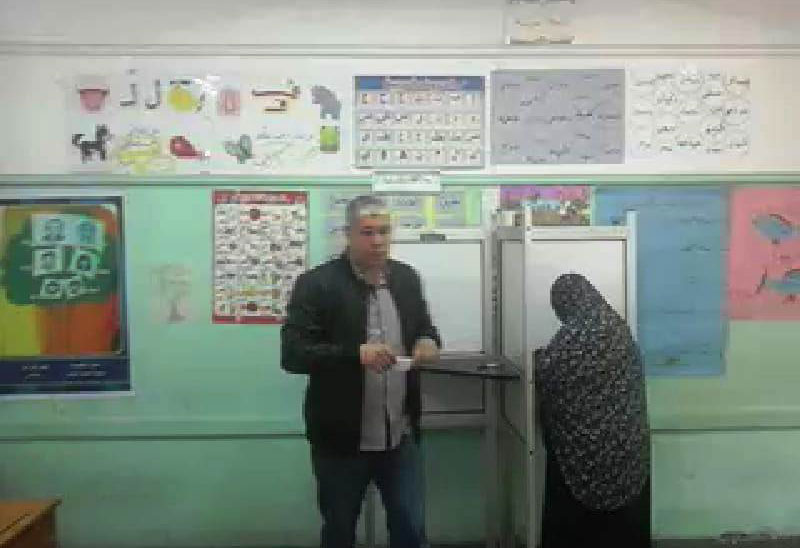 أحمد شوبير يدلى بصوته فى الاستفتاء (3)