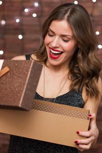 _هدايا جمالية لمناسبات نهاية العام