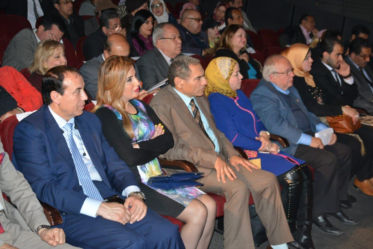 الدكتور حسن راتب رئيس مجلس أمناء جامعة سيناء (10)
