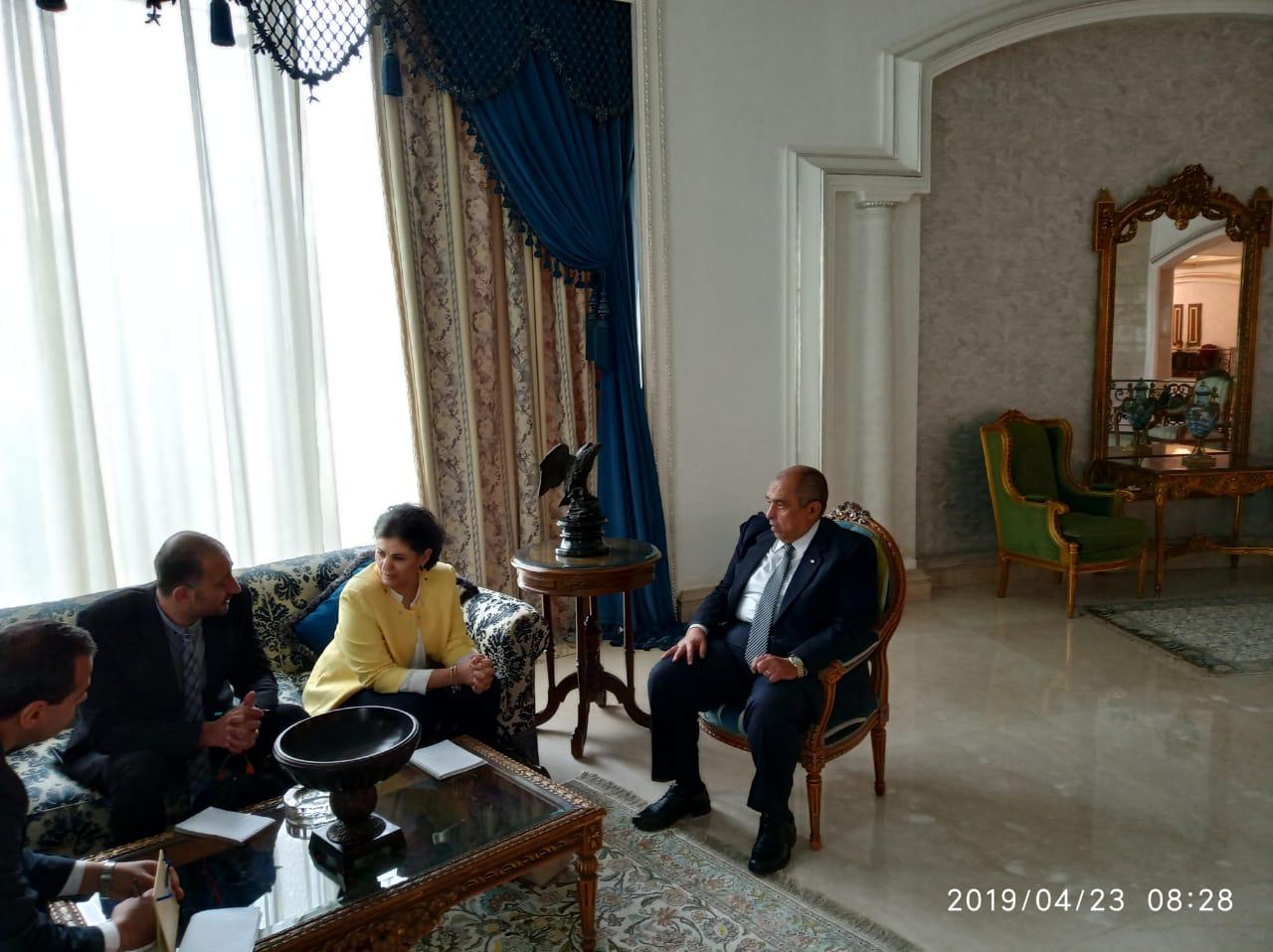 وزير الزراعة يبحث مع مدير مكتب الايفاد تكثيف التعاون  (1)