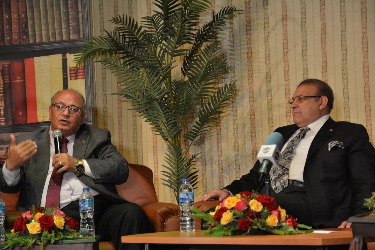 الدكتور حسن راتب رئيس مجلس أمناء جامعة سيناء (11)