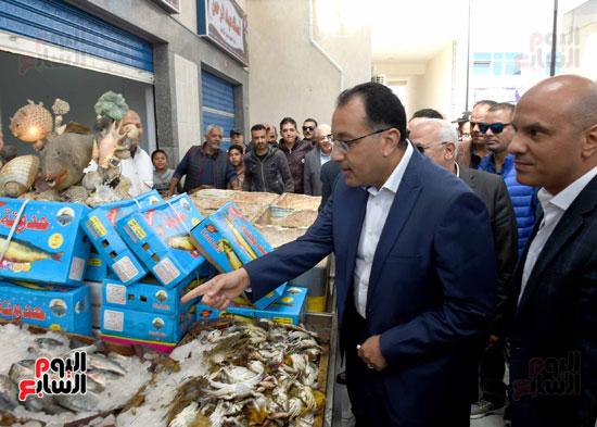 مصطفى مدبولى سوق السمك (1)