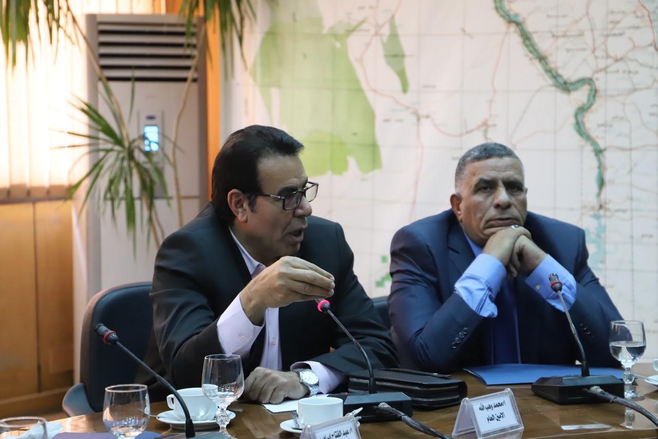 جانب من اجتماع وزير القوى العاملة بديوان عام الوزارة (9)