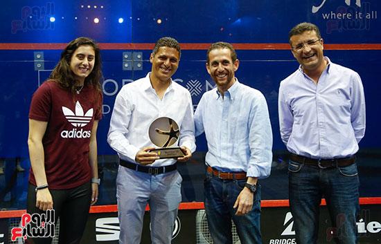 عمرو منسي ونور الشربيني يشهدان توزيع الجوائز ببطولة الجونة للرواد للأسكواش (7)