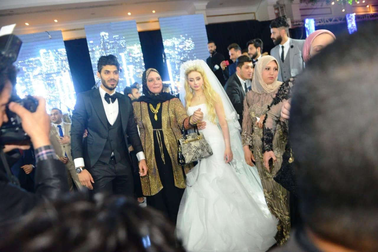 نجوم الأهلى والزمالك وبيراميدز يلتقون فى حفل زفاف على جبر (17)