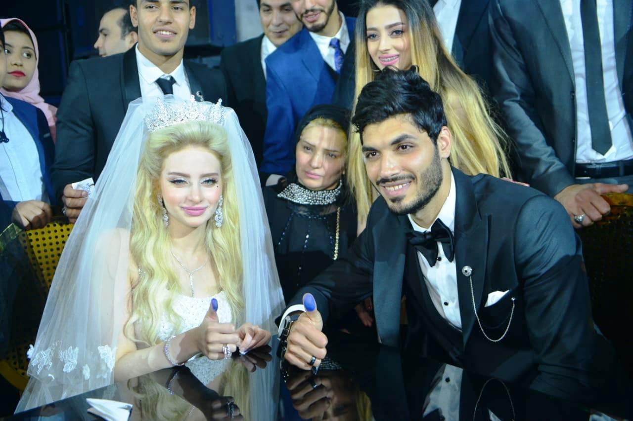 نجوم الأهلى والزمالك وبيراميدز يلتقون فى حفل زفاف على جبر (9)