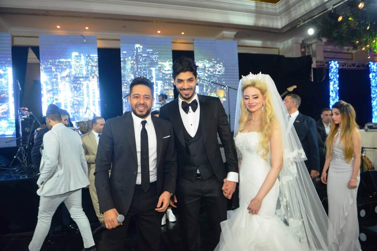 نجوم الأهلى والزمالك وبيراميدز يلتقون فى حفل زفاف على جبر (8)