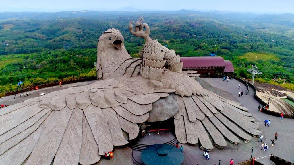 تمثال الطائر