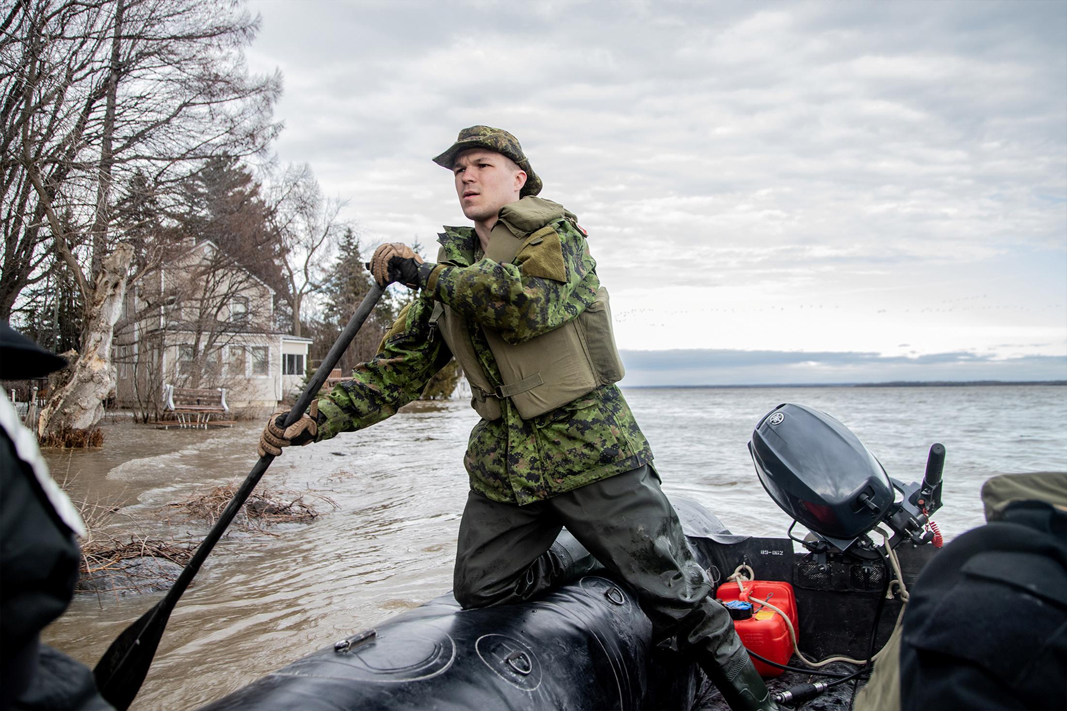 الفيضانات فى كندا (2)