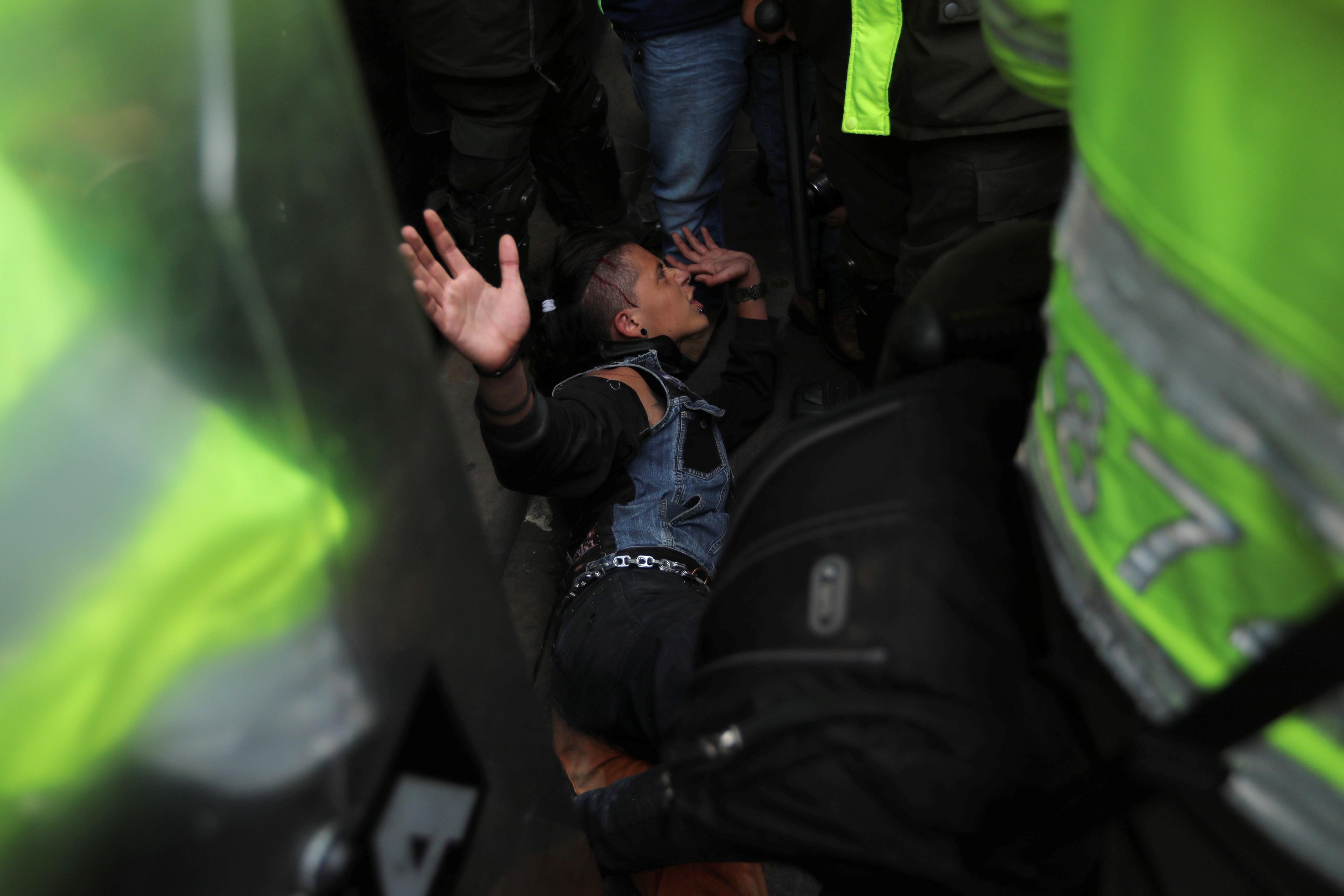 جانب من الاحتجاجات والعنف فى كولومبيا (2)
