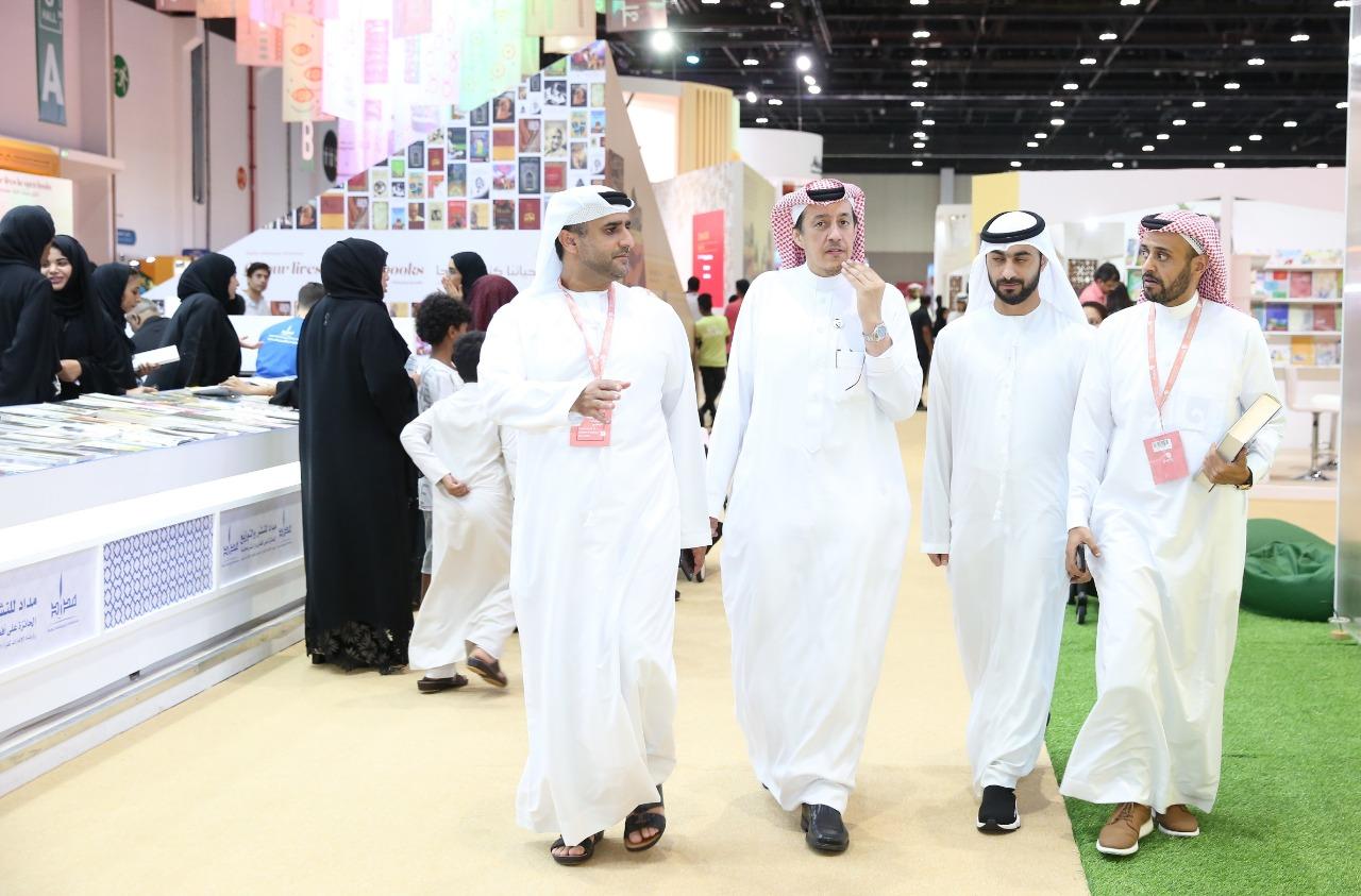 سفير السعودية بالإمارات يزور معرض أبوظبى الدولى للكتاب 2019 (3)