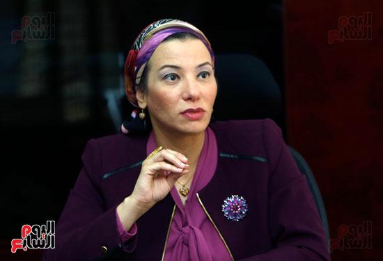 الدكتورة ياسمين فؤاد وزيرة البيئة (2)