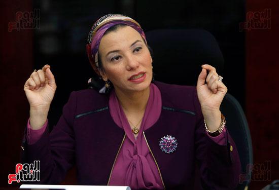 الدكتورة ياسمين فؤاد وزيرة البيئة (5)