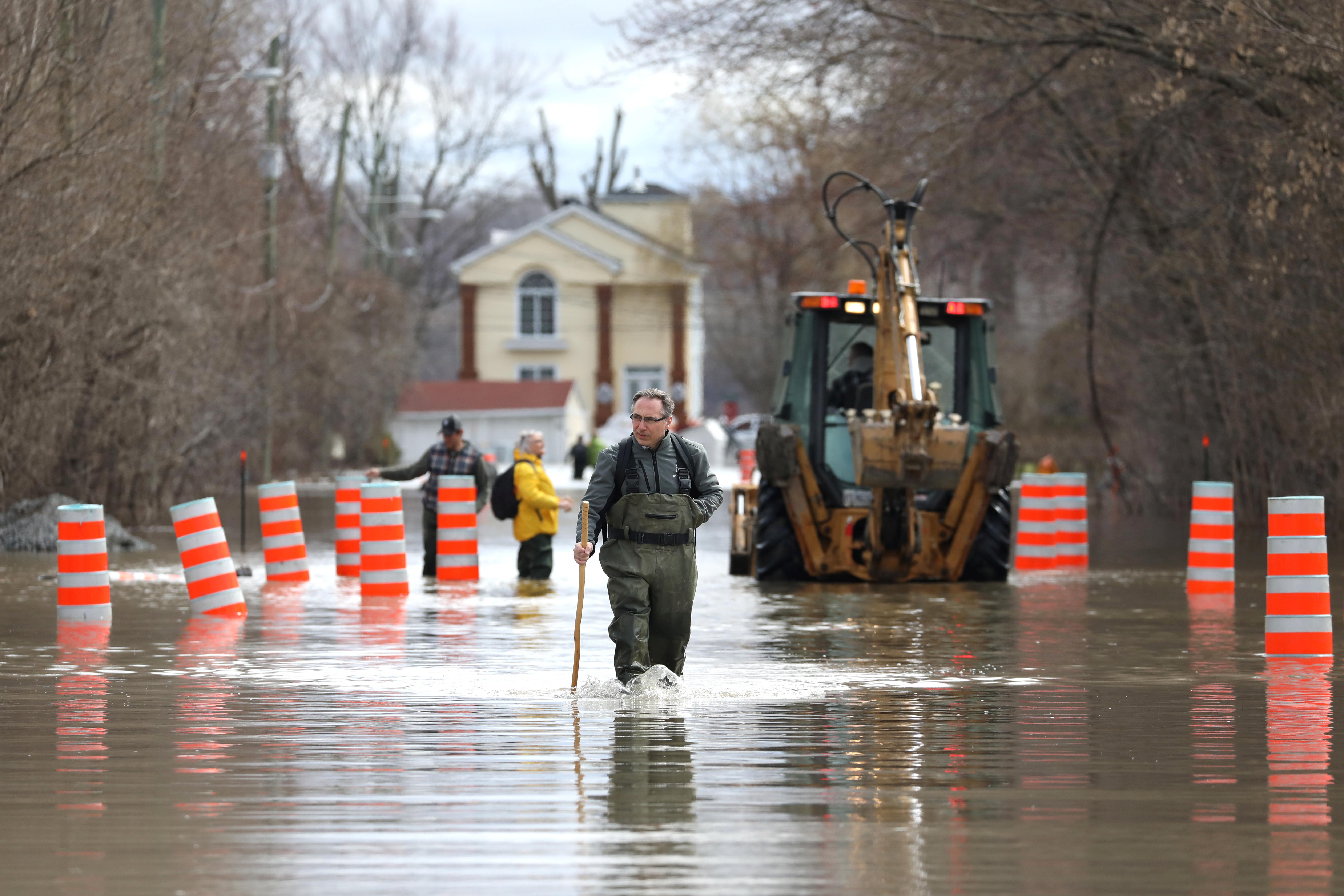 الفيضانات فى كندا (5)