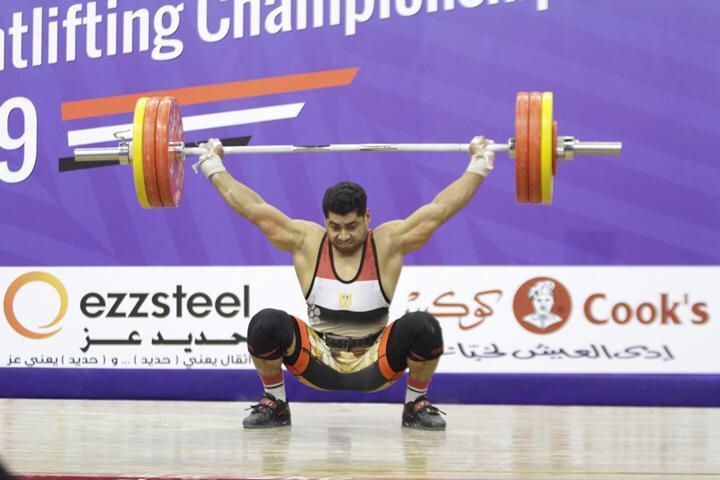 وزير الرياضة يتوج محمد إيهاب (1)