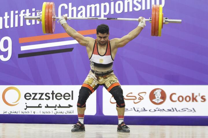 وزير الرياضة يتوج محمد إيهاب (16)