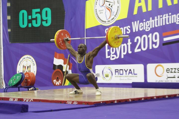 وزير الرياضة يتوج محمد إيهاب (15)