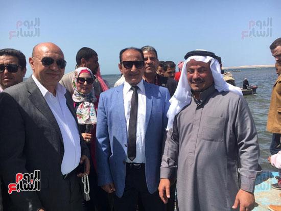 نائب وزير الزراعة ومحافظ شمال سيناء يطلقان موسم الصيد ببحيرة البردويل (4)