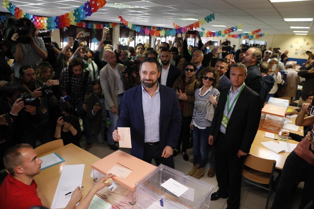 زعيم حزب فوكس سانتياجو اباسكال
