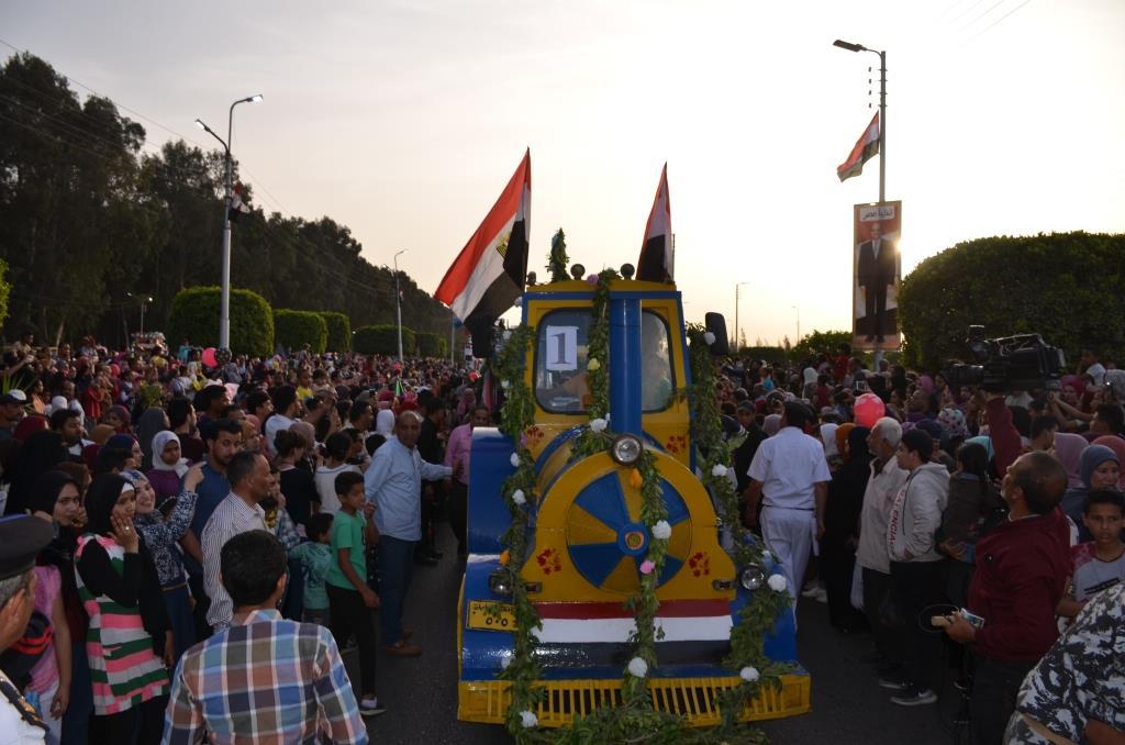 مراسم انطلاق كرنفال عربات الزهور السنوى لاحتفال أعياد الربيع وشم النسيم (11)