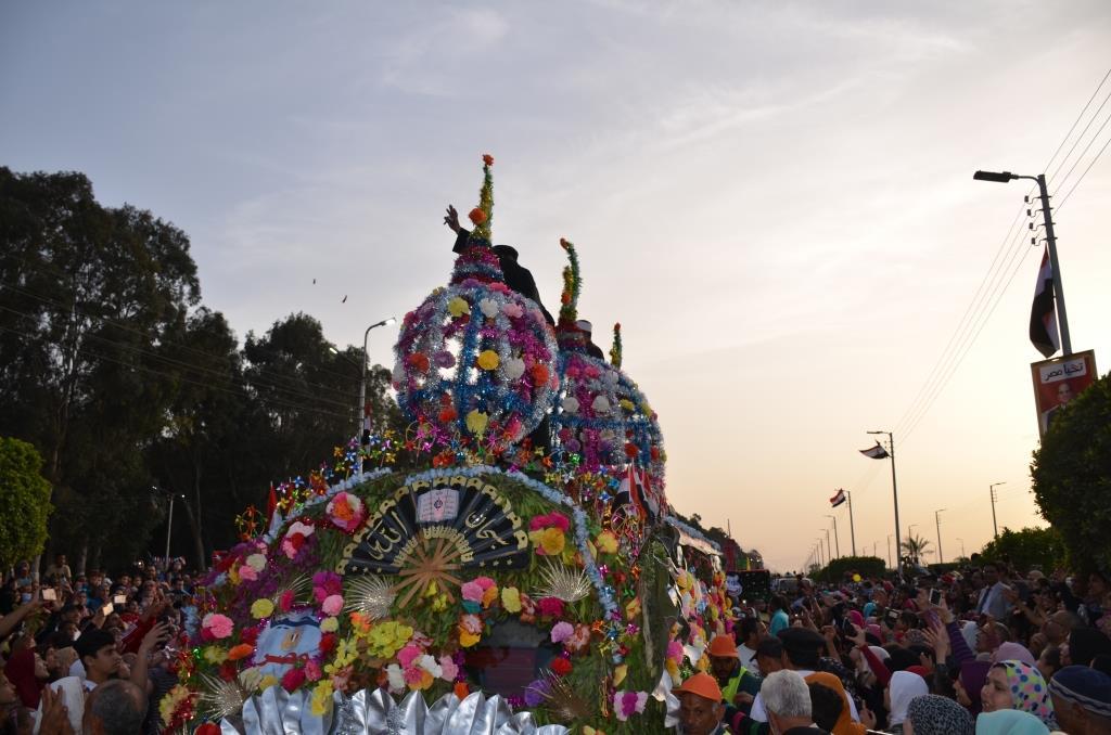 مراسم انطلاق كرنفال عربات الزهور السنوى لاحتفال أعياد الربيع وشم النسيم (4)