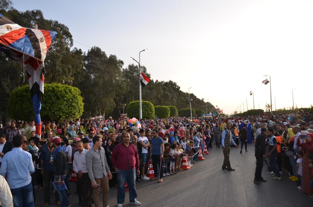 مراسم انطلاق كرنفال عربات الزهور السنوى لاحتفال أعياد الربيع وشم النسيم (8)