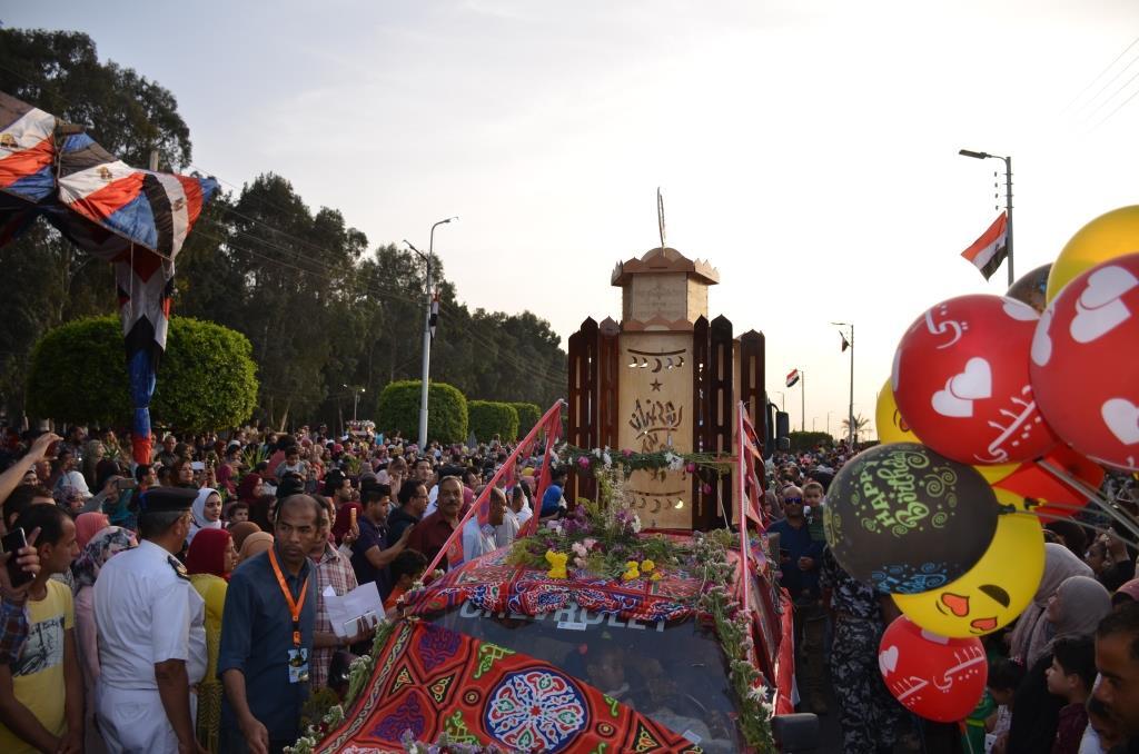 مراسم انطلاق كرنفال عربات الزهور السنوى لاحتفال أعياد الربيع وشم النسيم (15)