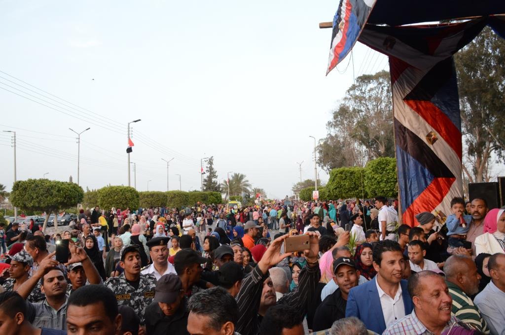 مراسم انطلاق كرنفال عربات الزهور السنوى لاحتفال أعياد الربيع وشم النسيم (7)