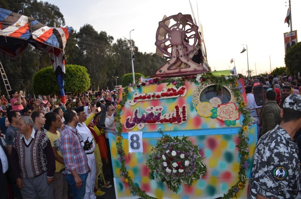 مراسم انطلاق كرنفال عربات الزهور السنوى لاحتفال أعياد الربيع وشم النسيم (14)