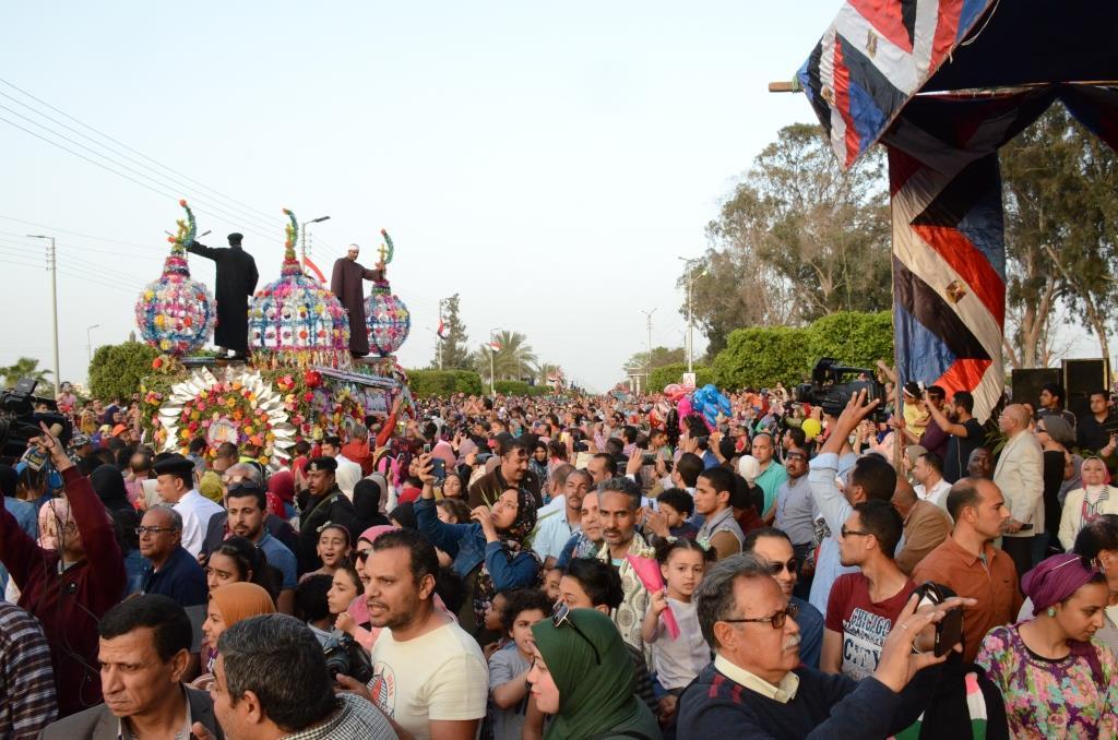 مراسم انطلاق كرنفال عربات الزهور السنوى لاحتفال أعياد الربيع وشم النسيم (6)