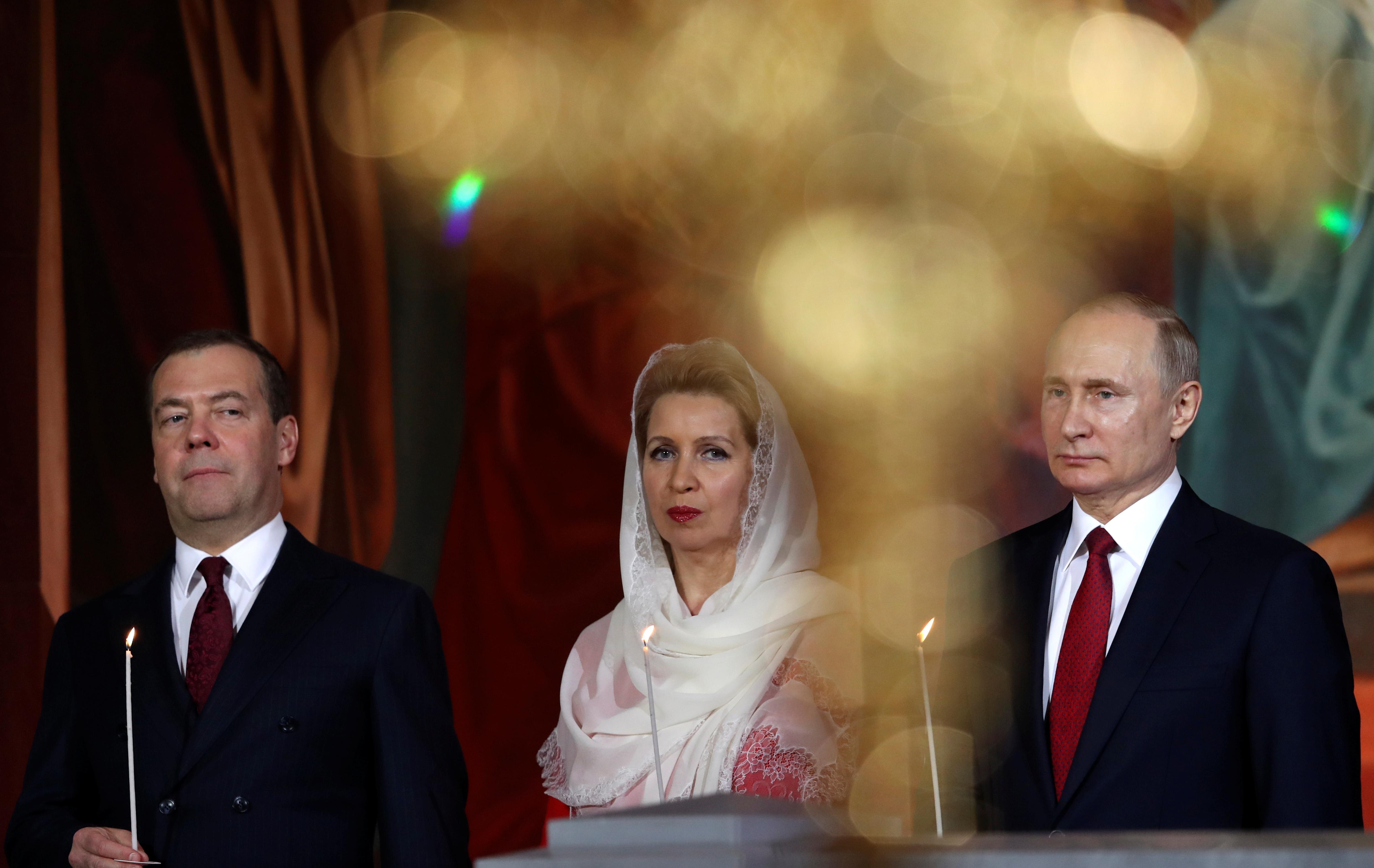 2019-04-27T211123Z_1403591286_RC112E017090_RTRMADP_3_RELIGION-EASTER-RUSSIA