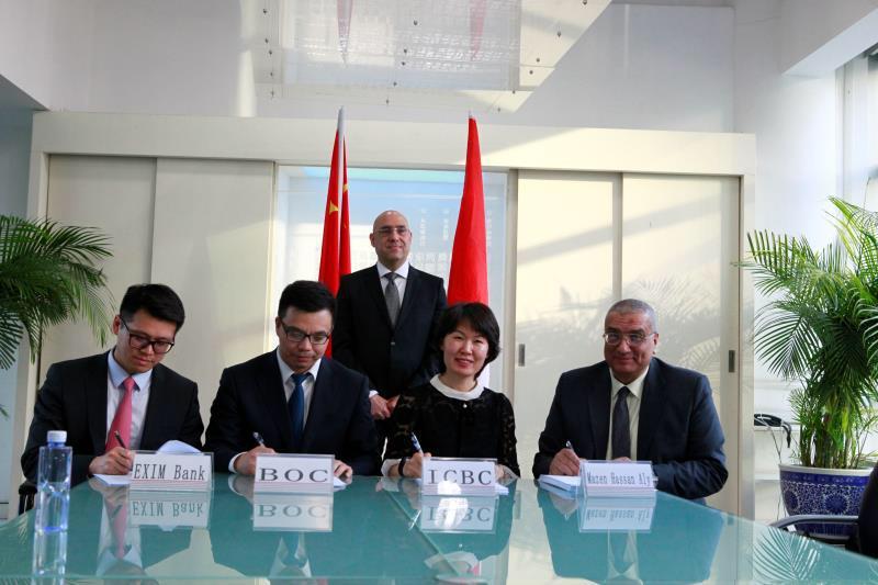 وزير الإسكان يشهد توقيع اتفاقية توقيع لتمويل حى المال والأعمال بالعاصمة الإدارية  (4)