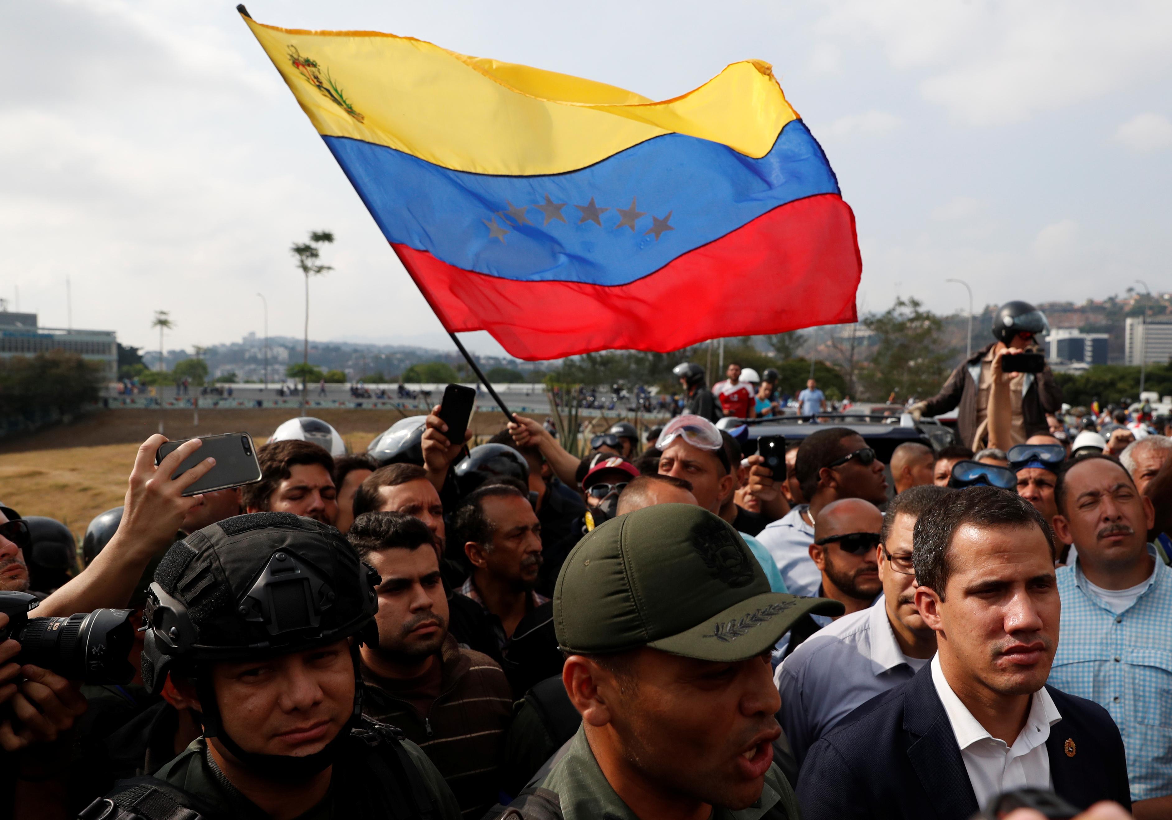 2019-04-30T144000Z_830996474_RC129CC52D00_RTRMADP_3_VENEZUELA-POLITICS