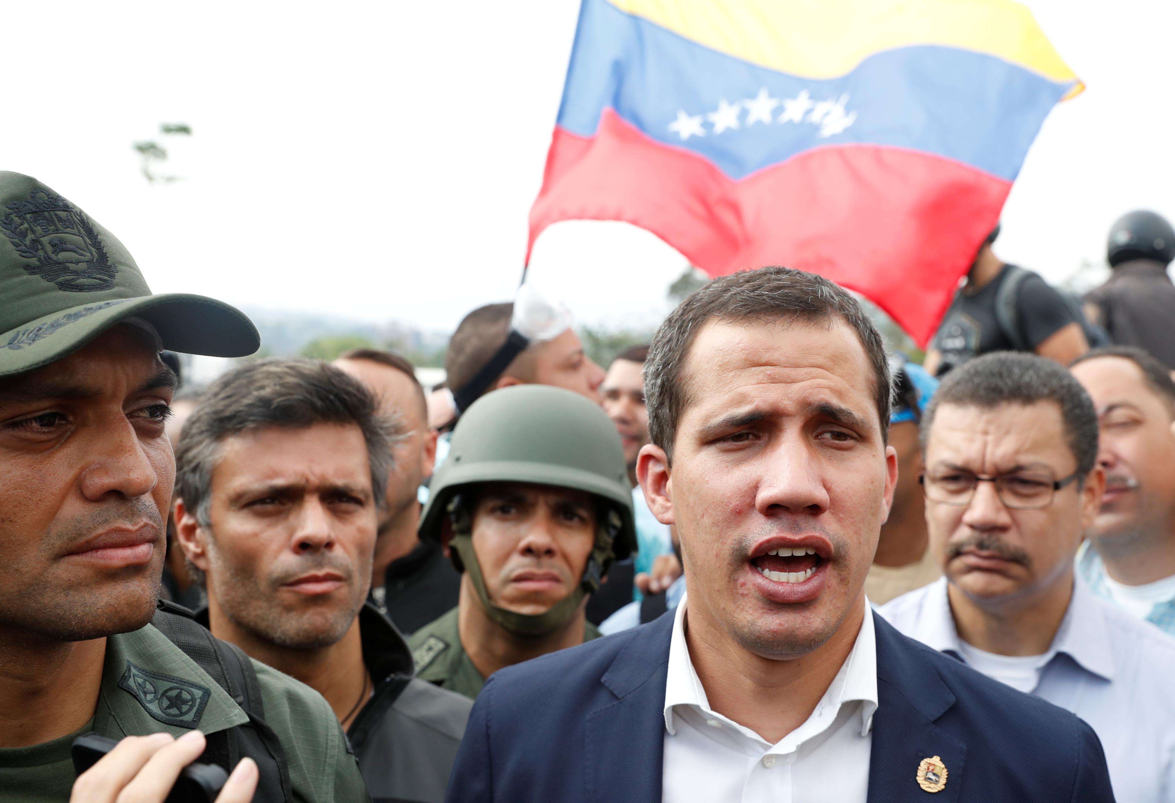2019-04-30T143351Z_597339667_RC1417316C30_RTRMADP_3_VENEZUELA-POLITICS - Copy